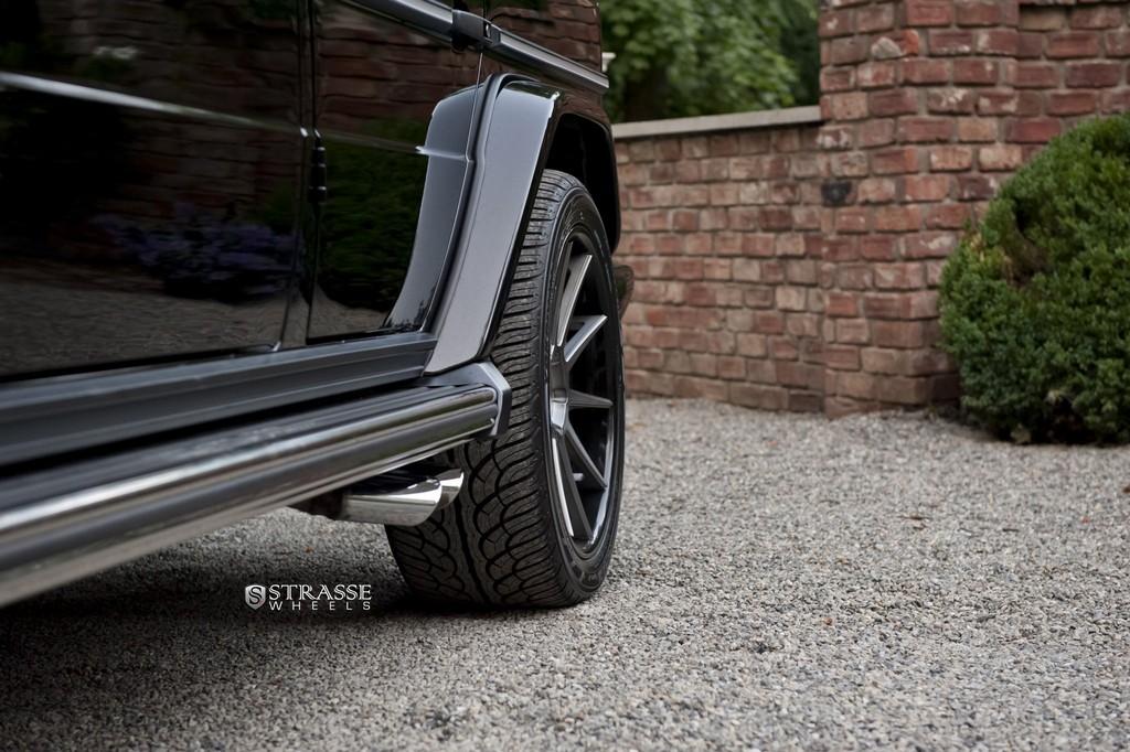 Strasse-Wheels-Mercedes-Benz-G63-AMG-22-R10-Deep-Concave-Wheels-10