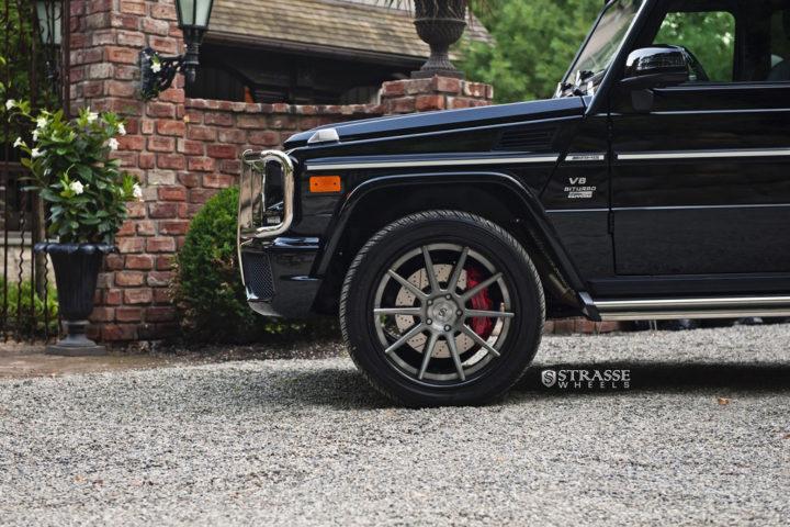 Strasse-Wheels-Mercedes-Benz-G63-AMG-22-R10-Deep-Concave-Wheels-3
