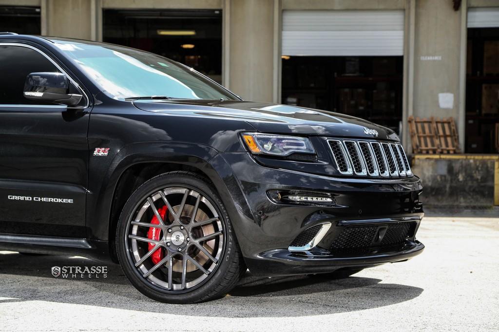 jeep grand cherokee srt strasse wheels high. Black Bedroom Furniture Sets. Home Design Ideas