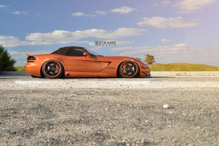 Strasse Wheels Dodge Viper S5 7