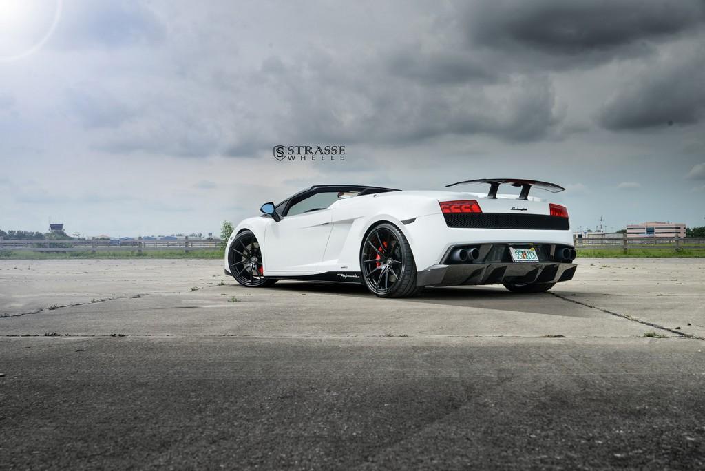 Strasse Wheels Lamborghini Performante 16