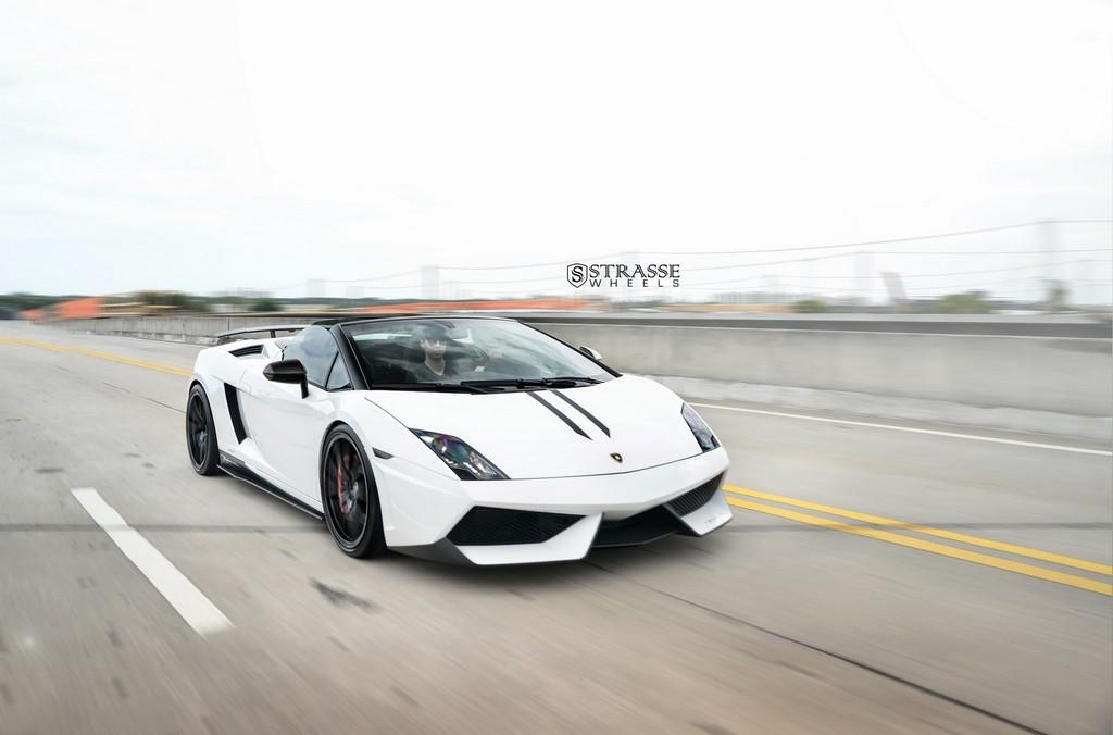 Strasse Wheels Lamborghini Performante 3