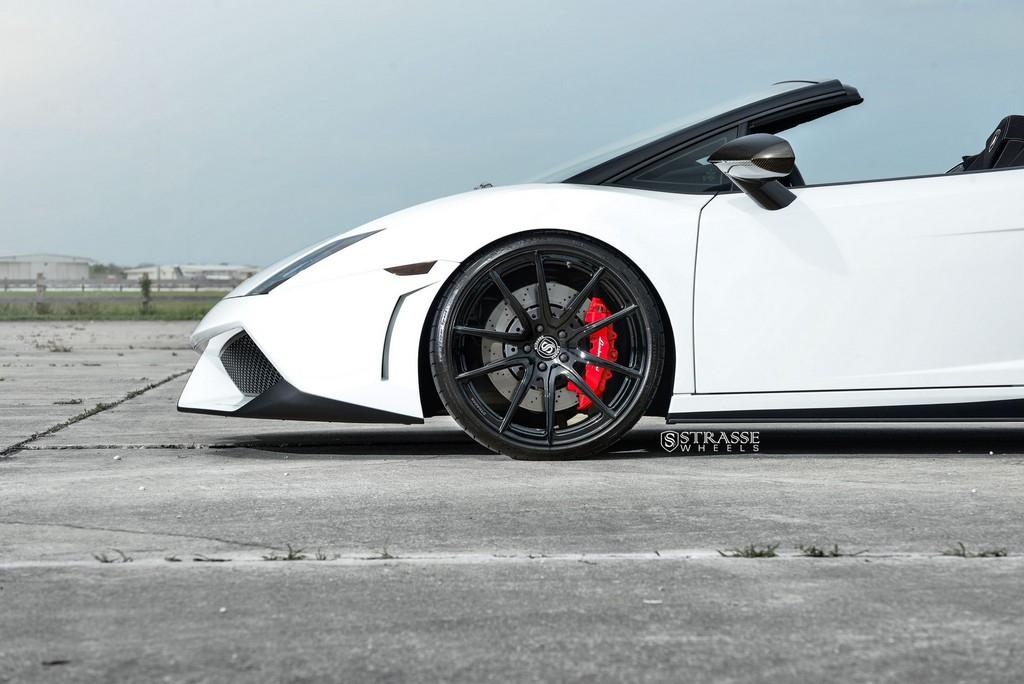 Strasse Wheels Lamborghini Performante 5