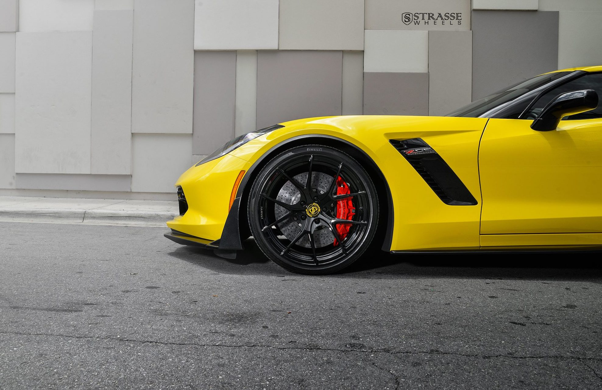 chevrolet corvette z06 strasse wheels high performance. Black Bedroom Furniture Sets. Home Design Ideas