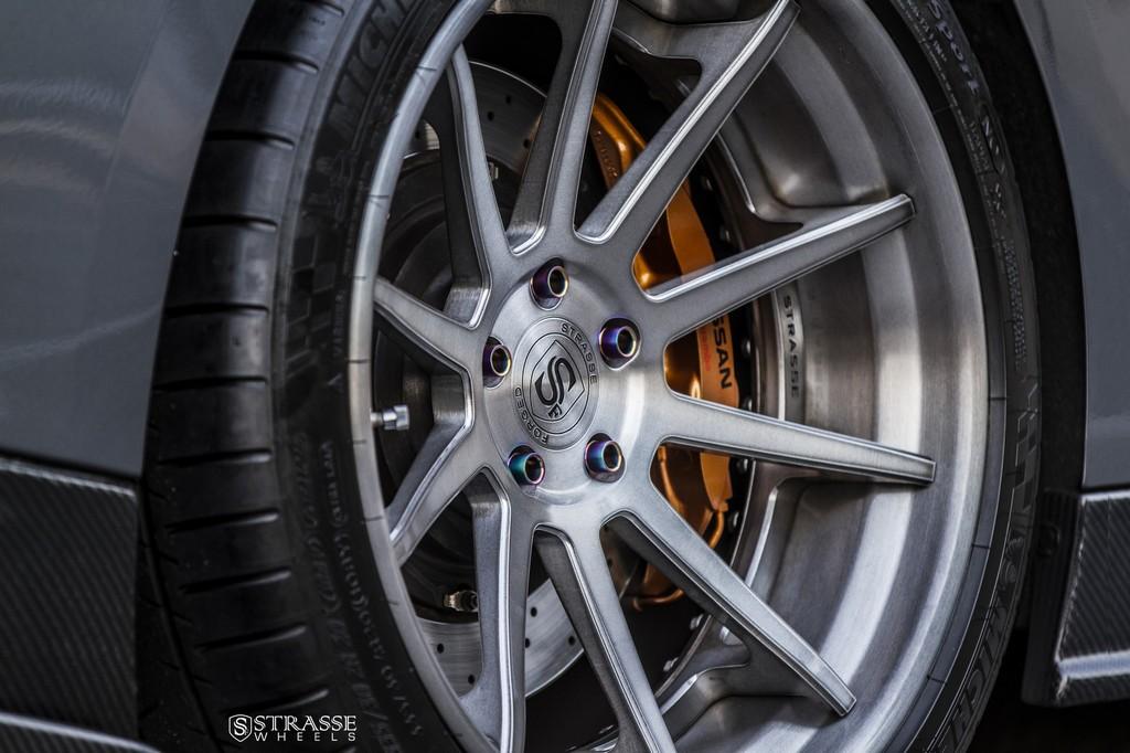 Strasse Wheels Gunmetalic GTR R10 7