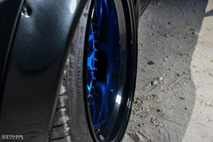 Strasse Wheels Dodge Challenger SRT 11