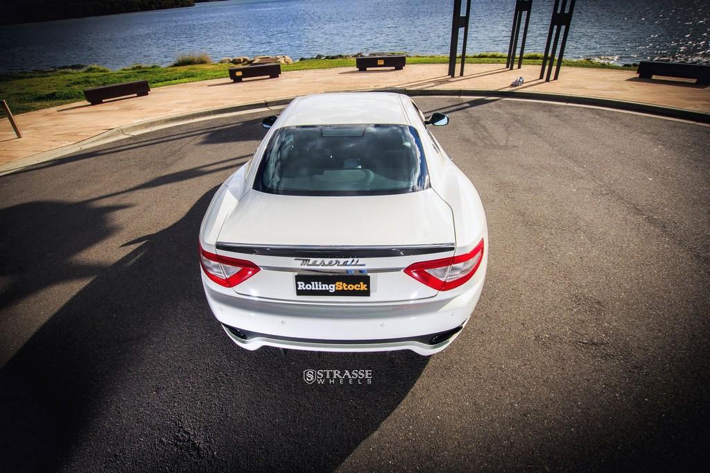 Maserati GTs Rolling Stock 12