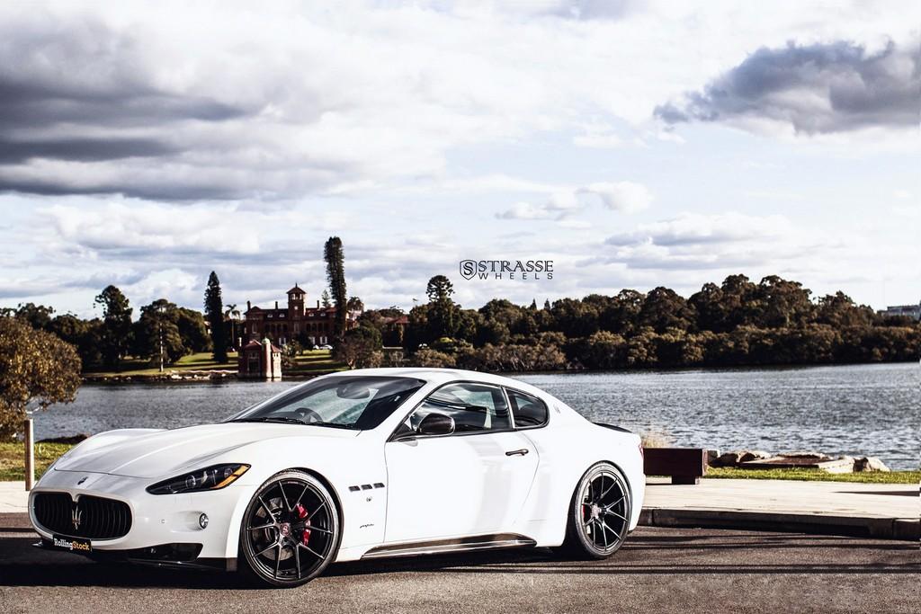 Maserati GTs Rolling Stock 3