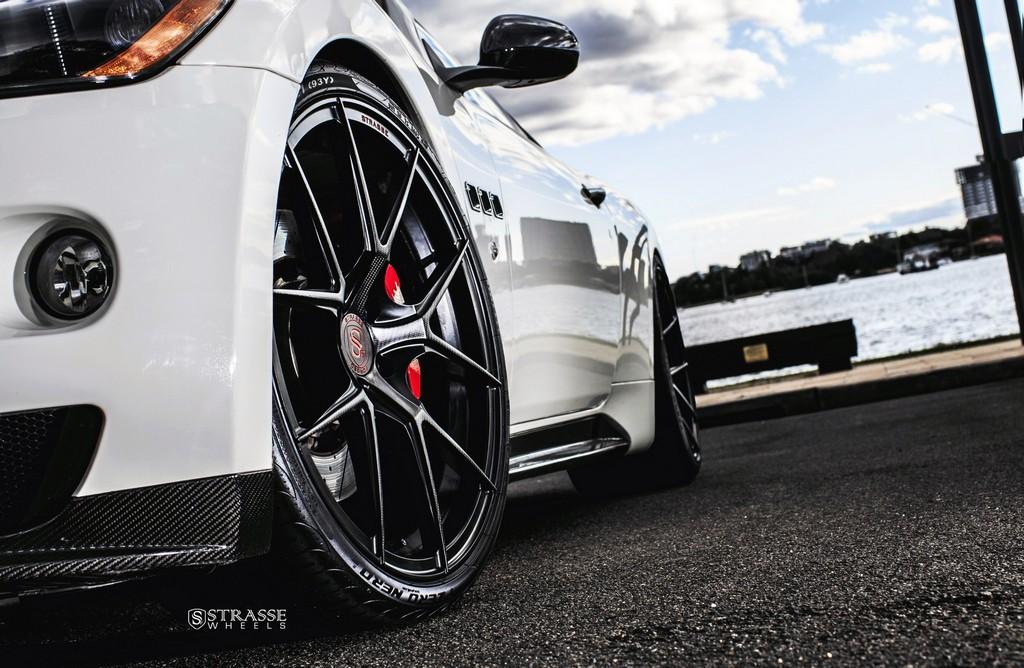 Maserati GTs Rolling Stock 4