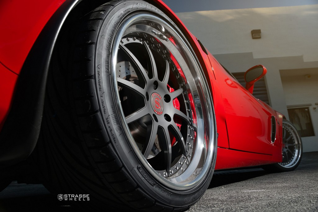 Strasse Wheels Red C6 Z06 R10 16