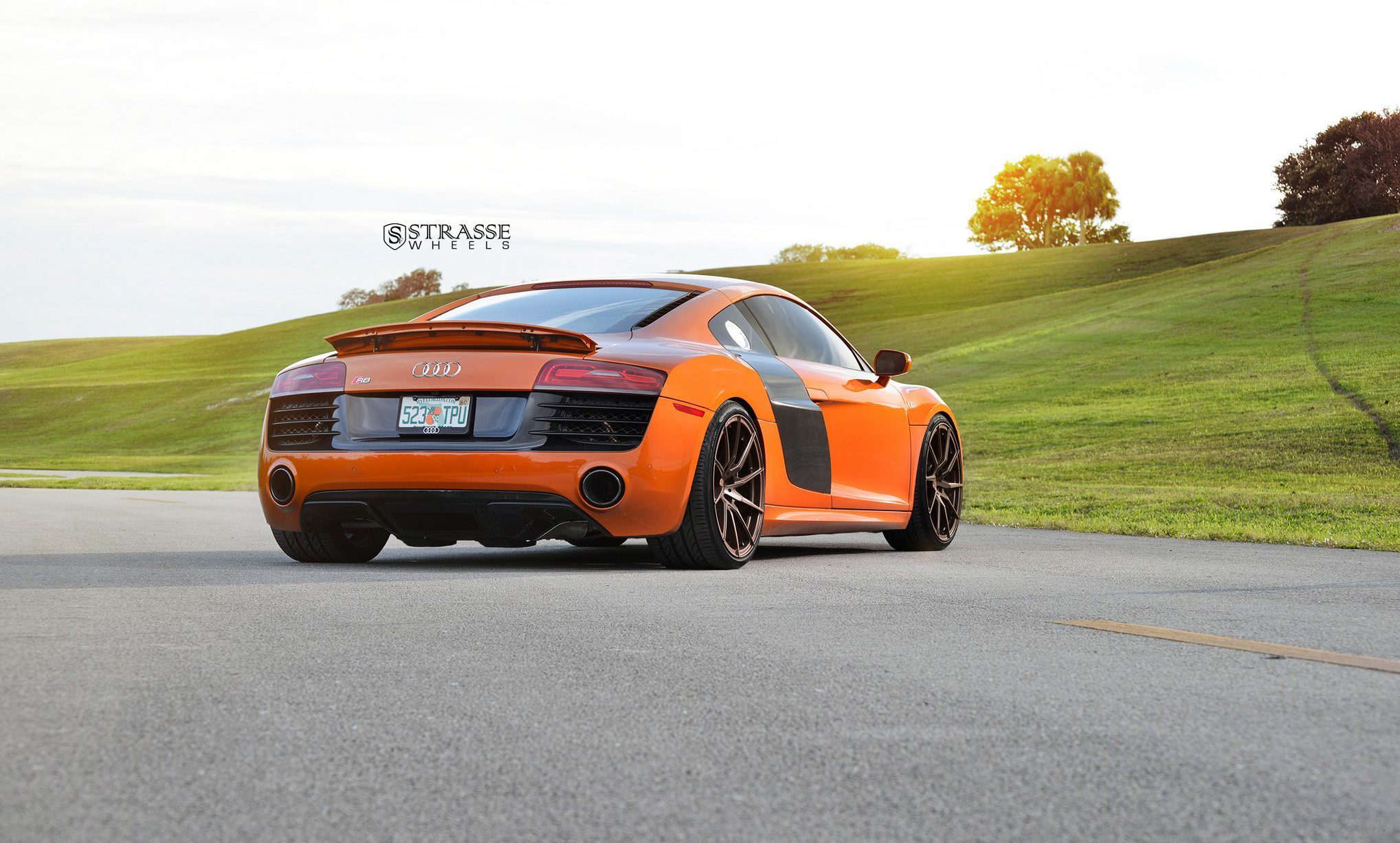 Audi R8 V10 Got Us Twisted Strasse Wheels
